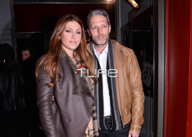 Έλενα Παπαρίζου: Στο θέατρο με τον σύζυγό της! Ποια παράσταση είδαν; | tlife.gr