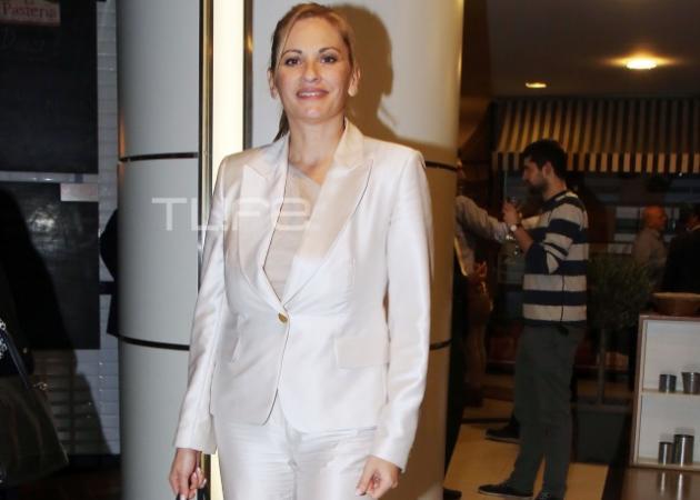 Θεοφανία Παπαθωμά: Εντυπωσιακή εμφάνιση στα λευκά! | tlife.gr