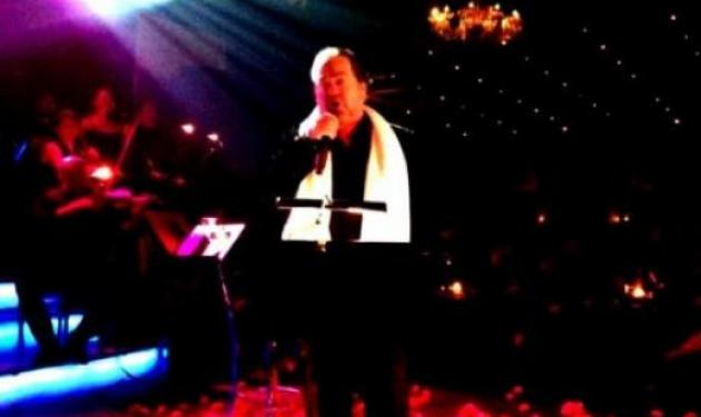 Γιάννης Πάριος: Ατύχημα στην πίστα για τον σπουδαίο τραγουδιστή! Βίντεο | tlife.gr