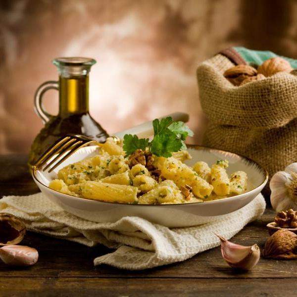 Ζυμαρικά με σος από καρύδι