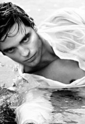Robert Pattinson: Συνέντευξη μ' ένα βρυκόλακα | tlife.gr