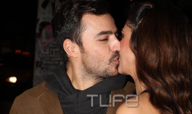 Κ. Παπουτσάκη: Το γλυκό φιλί του συντρόφου της Παναγιώτη! Φωτογραφίες | tlife.gr