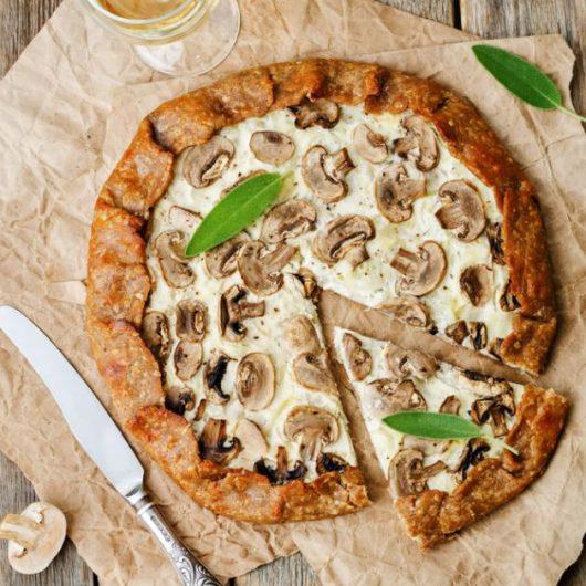 Εύκολη πίτσα με μανιτάρια | tlife.gr