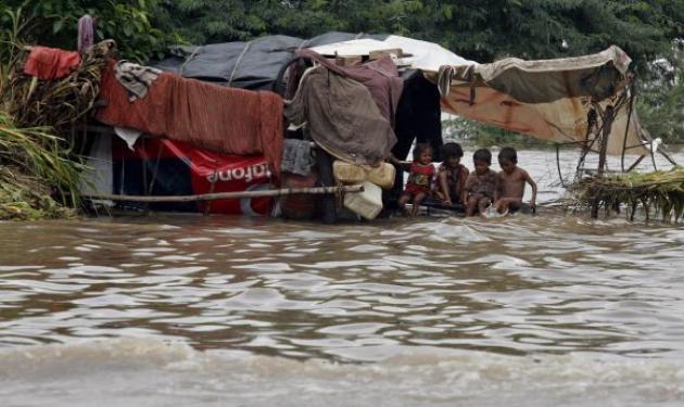 177 έφτασαν οι νεκροί από τις πλημμύρες στην Ινδία! | tlife.gr