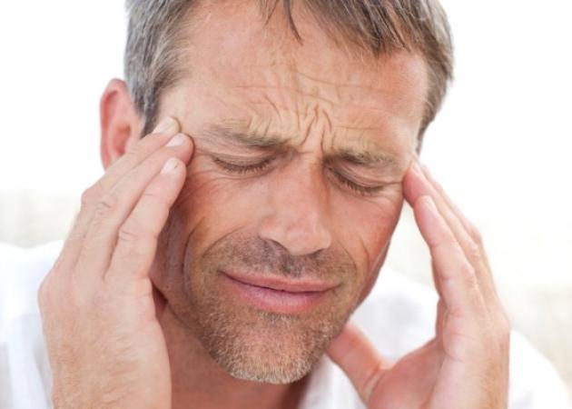 Βήχας και πονοκέφαλος μαζί: Τι σου συμβαίνει – Πότε πρέπει να σε δει γιατρός! | tlife.gr