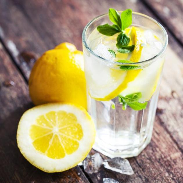 Κάνε detox με αυτά τα 4 συστατικά στο νερό σου!   tlife.gr