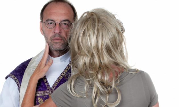 Κορινθία: Ερωτευμένη 15χρονη το έσκασε με τον παπά!