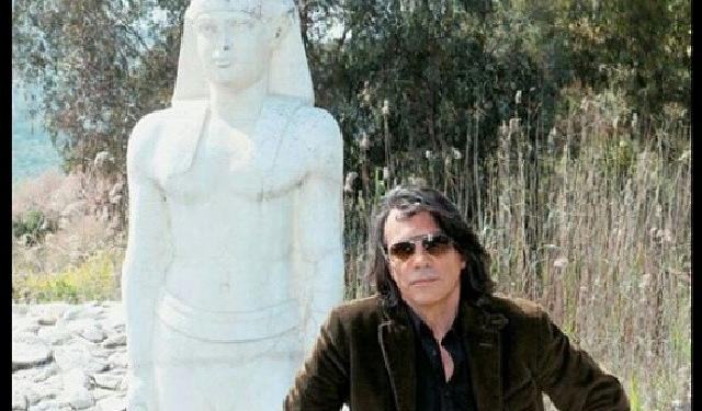 Ηλίας Ψινάκης: Πήγε να προβάλει τα αρχαία και του έκαναν μήνυση – Η σκληρή απάντησή του! | tlife.gr