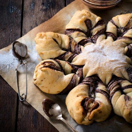 Γεμιστό ψωμί µε σοκολάτα και αποξηραμένα βερίκοκα | tlife.gr