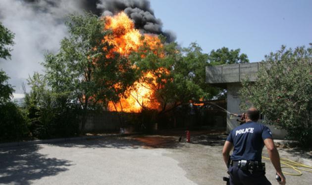 Παιδάκι κάηκε ζωντανό στον Ασπρόπυργο!   tlife.gr