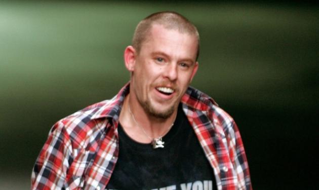 Alexander McQueen: Σοκαριστικές αποκαλύψεις 5 χρόνια μετά την αυτοκτονία του! | tlife.gr
