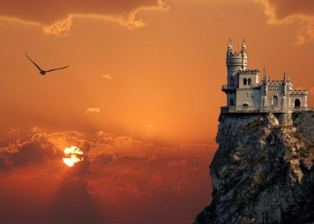 ΨΥΧΟΛΟΓΙΚΟ ΤΕΣΤ! Μια βόλτα στο κάστρο αποκαλύπτει πτυχές του εαυτού σου. Ξεκινάμε; | tlife.gr