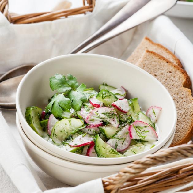 1 | Σαλάτα με αγγούρι και ραπανάκια