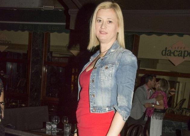 Ραχήλ Μακρή: Εντυπωσιακή εμφάνιση με κόκκινο φόρεμα στο Κολωνάκι! | tlife.gr