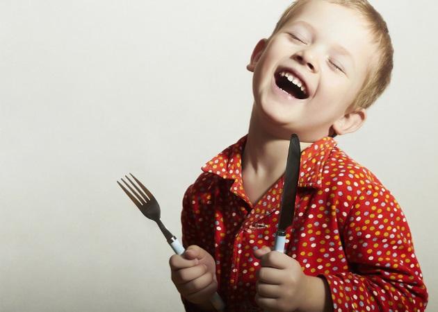 """Λιλιπούτιοι γευσιγνώστες: 4 αγαπημένα φαγητά των παιδιών με """"κρυφά"""" λαχανικά"""