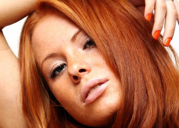 Κόκκινα μαλλιά: smart tips από τον Τρύφωνα Σαμαρά | tlife.gr