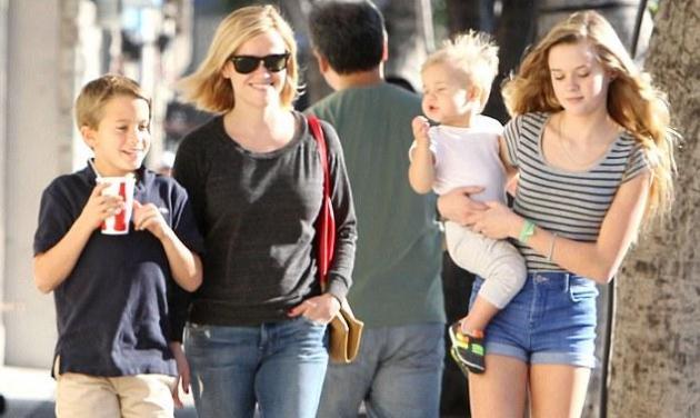 Η 14χρονη κόρη της Reese Witherspoon, Ava, μεγάλωσε και της μοιάζει πολύ