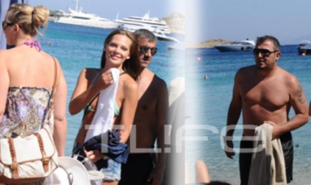Α. Ρέμος: Για μπάνιο με την Υβόννη στη Μύκονο! Δες φωτογραφίες | tlife.gr