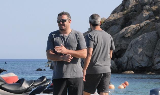 Α. Ρέμος: Οι πρώτες βουτιές στη Μύκονο! Δες φωτογραφίες | tlife.gr