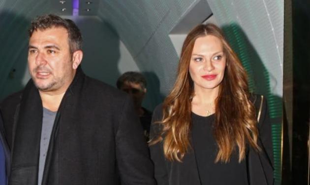 Aντώνης Ρέμος: Αποχωρίστηκε για λίγο τα κορίτσια του και ταξίδεψε στη Γερμανία! | tlife.gr