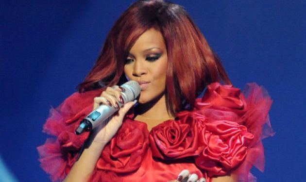 Rihanna: Η μεγάλη νικήτρια των Brit Awards 2011! Δες φωτογραφίες και video