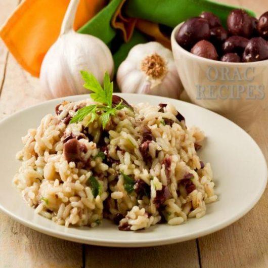 Ριζότο με καστανό ρύζι, λαχανικά & μανιτάρια | tlife.gr