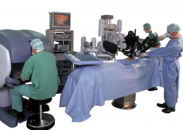 Ρομπότ χειρουργεί 70χρονο καρδιοπαθή! | tlife.gr