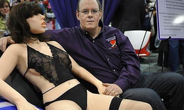 Μετά τη Roxxxy έρχεται και το πρώτο αρσενικό… sex robot! | tlife.gr
