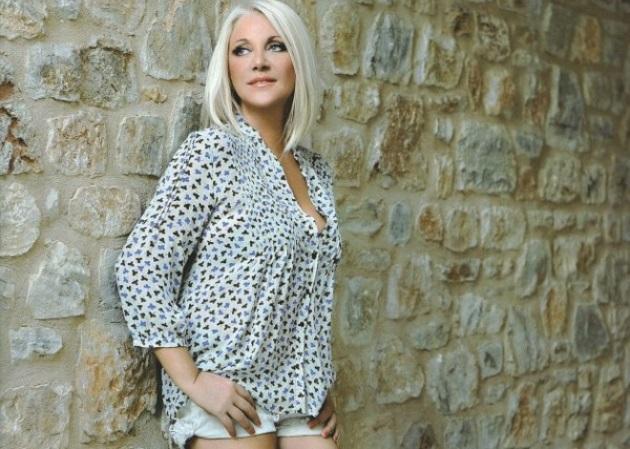 Ρούλα Κορομηλά: Η μεγάλη τηλεοπτική επιστροφή!   tlife.gr
