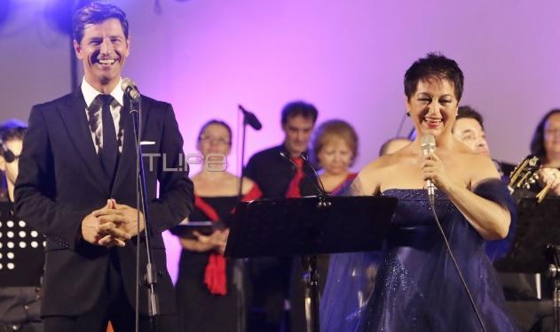 Σάκης Ρουβάς: Απολαυστικός στο Άλσος Νέας Σμύρνης και στο πλευρό της Σόνιας Θεοδωρίδου! | tlife.gr