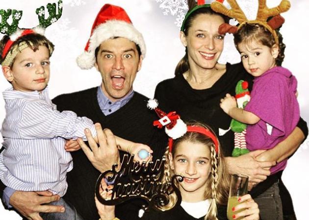 Σύσσωμη η οικογένεια Ρουβά μας εύχεται για τη νέα χρονιά! | tlife.gr