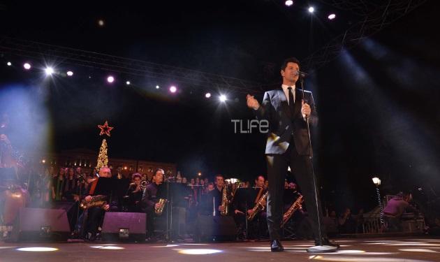 Σάκης Ρουβάς: Έφερε τα Χριστούγεννα στην Αθήνα στέλνοντας μήνυμα ενότητας και αισιοδοξίας! | tlife.gr