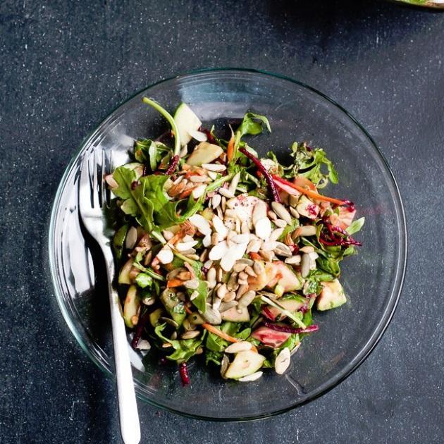 Σαλάτα με ρόκα, παντζάρι και καρότο