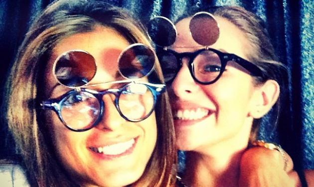 Ε. Κούρκουλου: Στιγμές ξεγνοιασίας με την φίλη της, Χ. Σάλτη