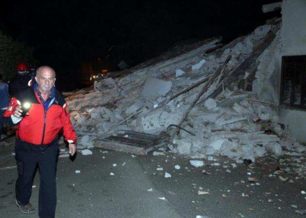 Σεισμός στην Ιταλία: Εικόνες καταστροφής και τρόμος [pics, vids] | tlife.gr