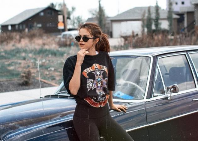 H Selena Gomez με το πιο sexy outfit που την έχουμε δει! | tlife.gr
