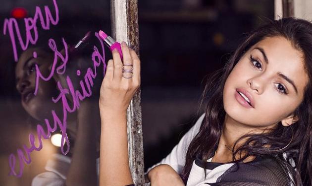Selena Gomez: Βαδίζει στα χνάρια του πρώην της και προκαλεί με σχεδόν γυμνές φωτογραφίες! | tlife.gr