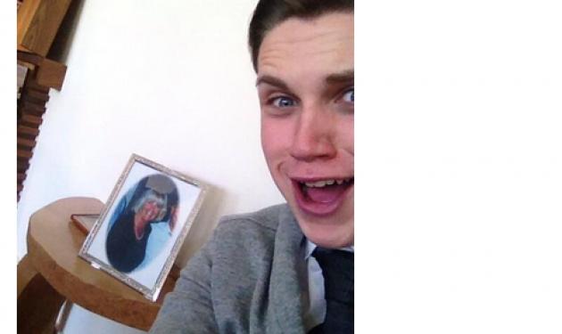 Αυτή η τάση στο Instagram ξεπερνά κάθε φαντασία: Selfies φωτογραφίες στις κηδείες! | tlife.gr