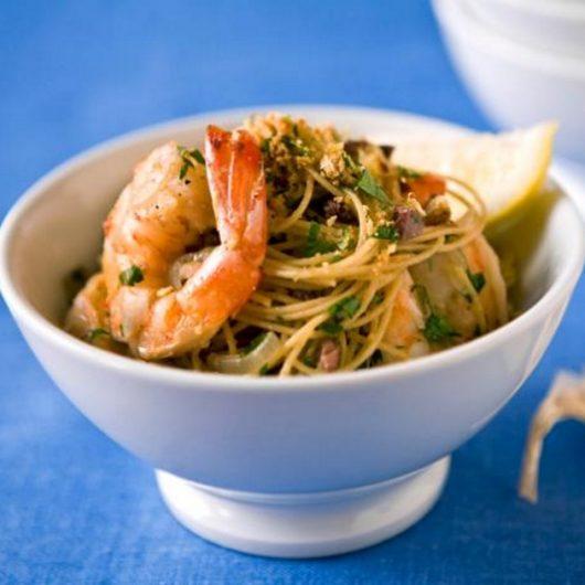 Σπαγγέτι με γαρίδες και λεμόνι | tlife.gr
