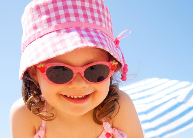 Πώς να διαλέξεις γυαλιά ηλίου για το παιδί σου!