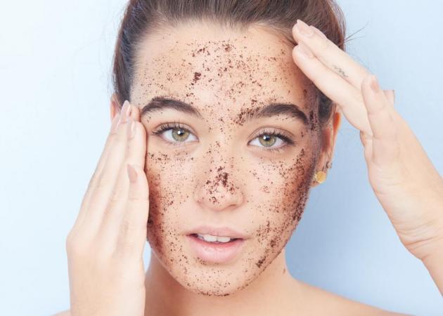 Τώρα εκτός από scrub στο πρόσωπο μπορείς να κάνεις scrub και στα μαλλιά!
