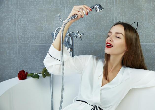 Shower make up! Το πιο sexy μακιγιάζ για ρεβεγιόν και πώς να το κάνεις! | tlife.gr