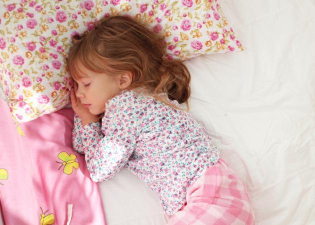 Το παιδί ροχαλίζει; Πότε πρέπει να ανησυχήσετε; | tlife.gr