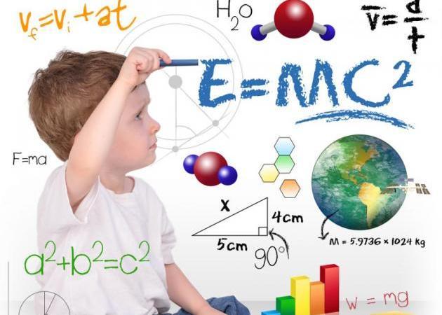 Παιδί: Πρέπει να το πιέζεις να φέρνει καλούς βαθμούς; | tlife.gr