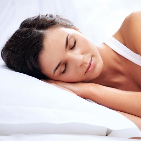 Ήξερες ότι ο ύπνος μας κάνει πιο όμορφες; Να πώς θα το πετύχεις! | tlife.gr