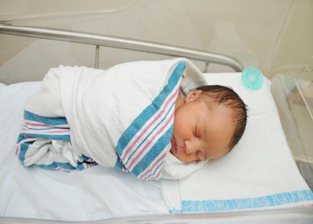 Η πρώτη εξέταση του νεογέννητου!