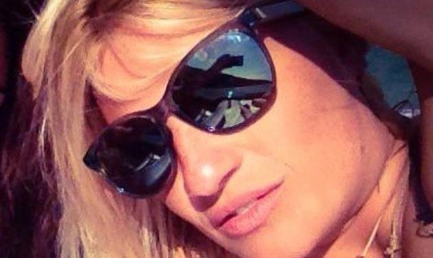 Φαίη Σκορδά: Νέες φωτογραφίες από τις διακοπές της στην Τήνο!