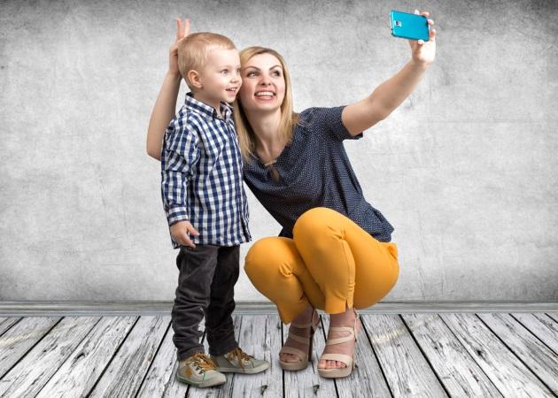 Social media: Ποιες φωτογραφίες του παιδιού δεν πρέπει να μοιράζεσαι με τους διαδικτυακούς φίλους σου