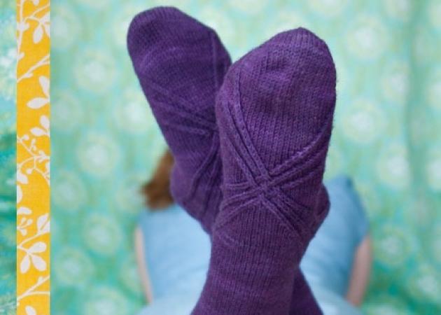 Sock… κυριολεκτικό! Πώς να κάνεις κυματισμούς στα μαλλιά σου με μια κάλτσα!