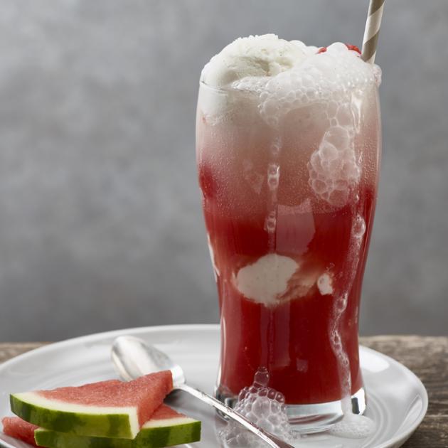 Αναψυκτικό καρπούζι με παγωτό